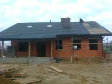 Prace przy dachu chylą się ku końcowi.